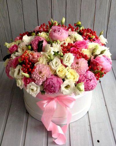 заказ цветов в коробке с доставкой спб